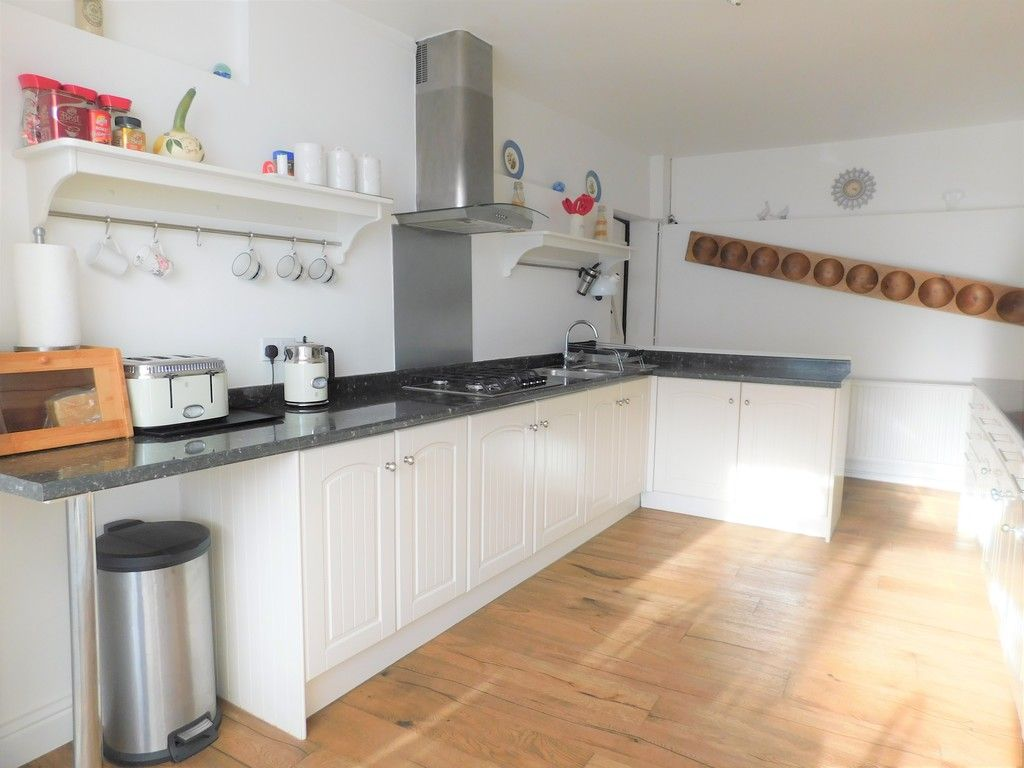 4 bed house for sale in Neath Road, Resolven, Neath 9