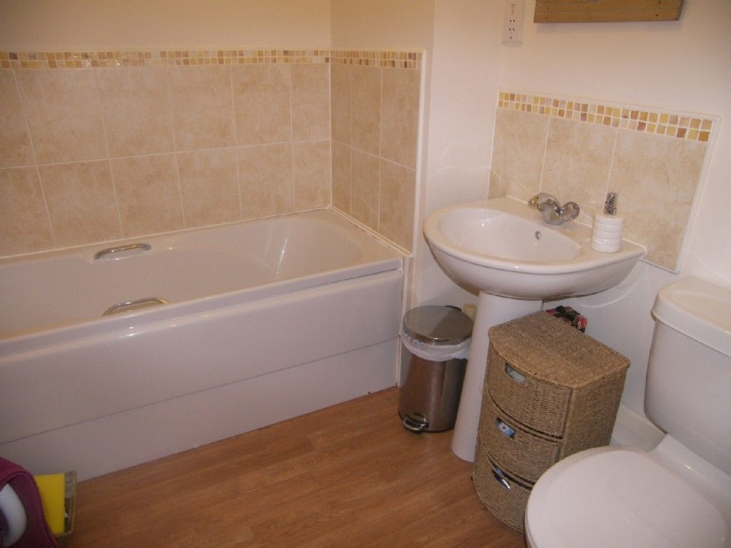 2 bed flat for sale in Edith Mills Close, Briton Ferry, Neath 6