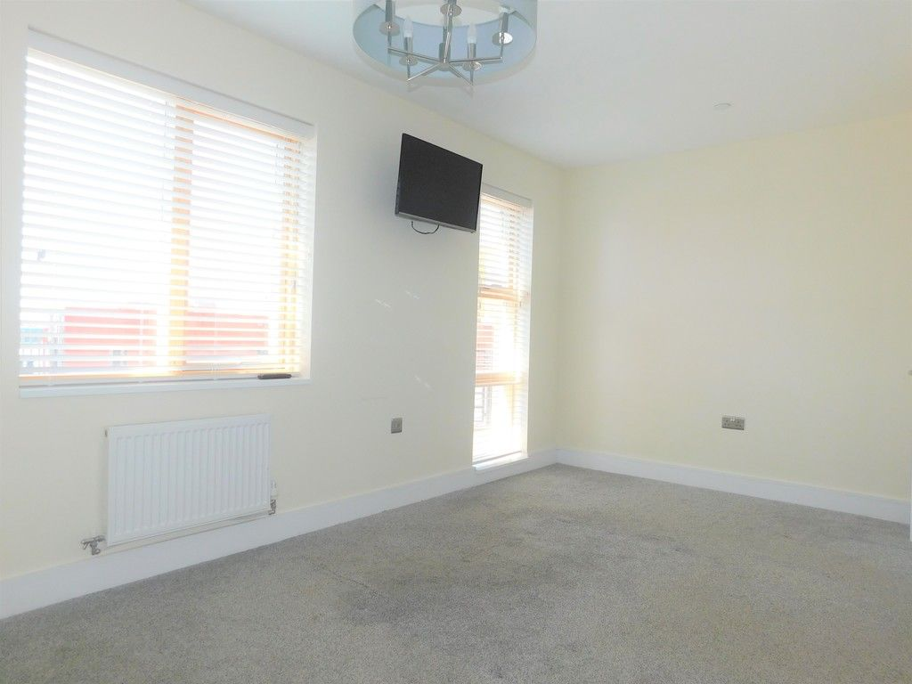 4 bed house to rent in Langdon Road, Swansea  - Property Image 21