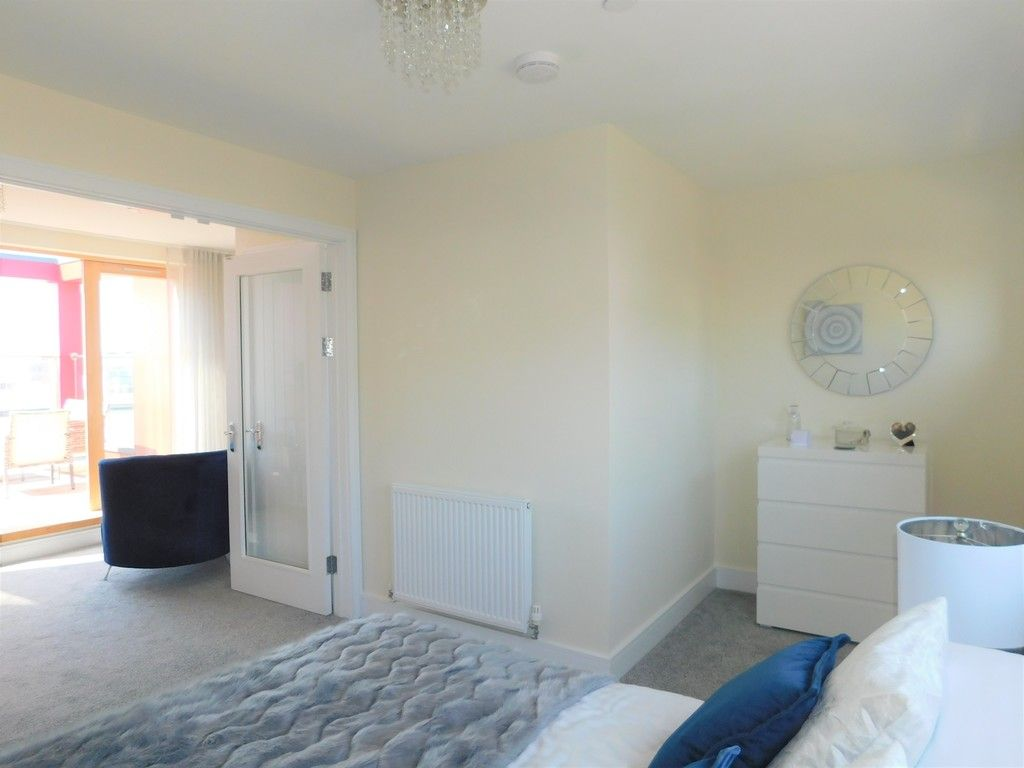 4 bed house to rent in Langdon Road, Swansea 8