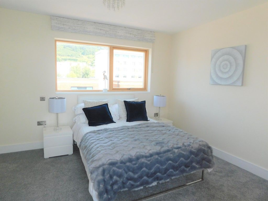 4 bed house to rent in Langdon Road, Swansea 9