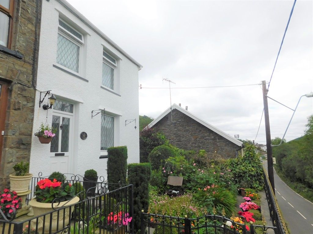 3 bed house for sale in Gored Cottages, Melincourt, Neath, SA11