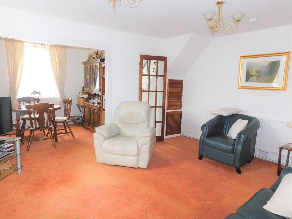 3 bed house for sale in Gored Cottages, Melincourt, Neath 2