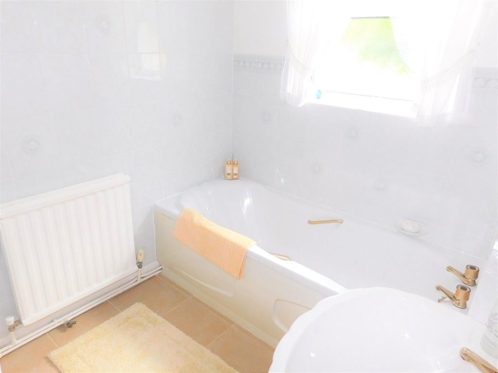 3 bed house for sale in Gored Cottages, Melincourt, Neath  - Property Image 10