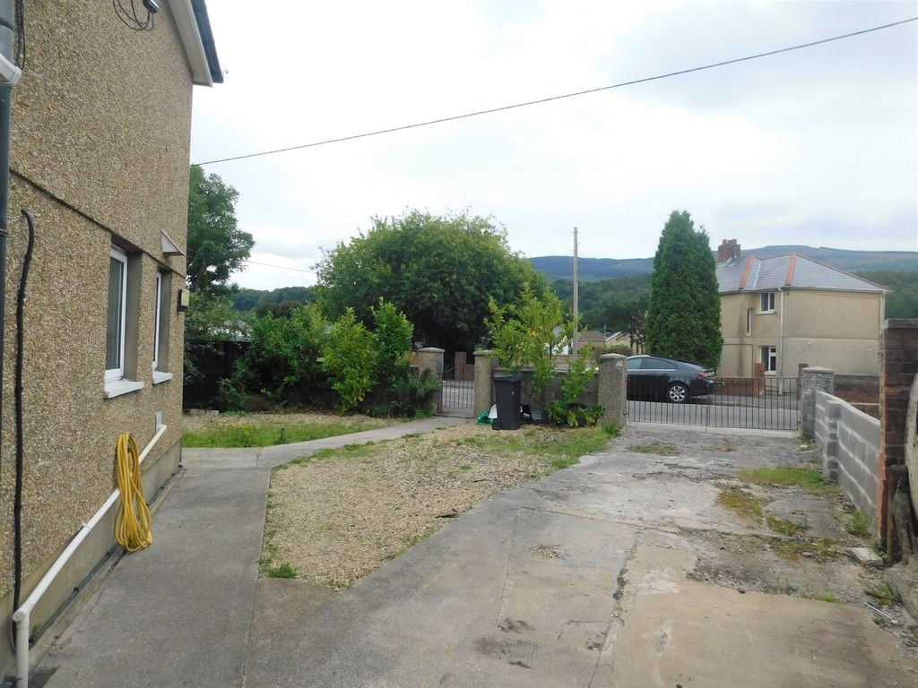 3 bed house for sale in Maes Y Pergwm, Glynneath, Neath  - Property Image 15
