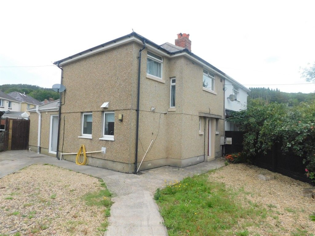 3 bed house for sale in Maes Y Pergwm, Glynneath, Neath  - Property Image 16