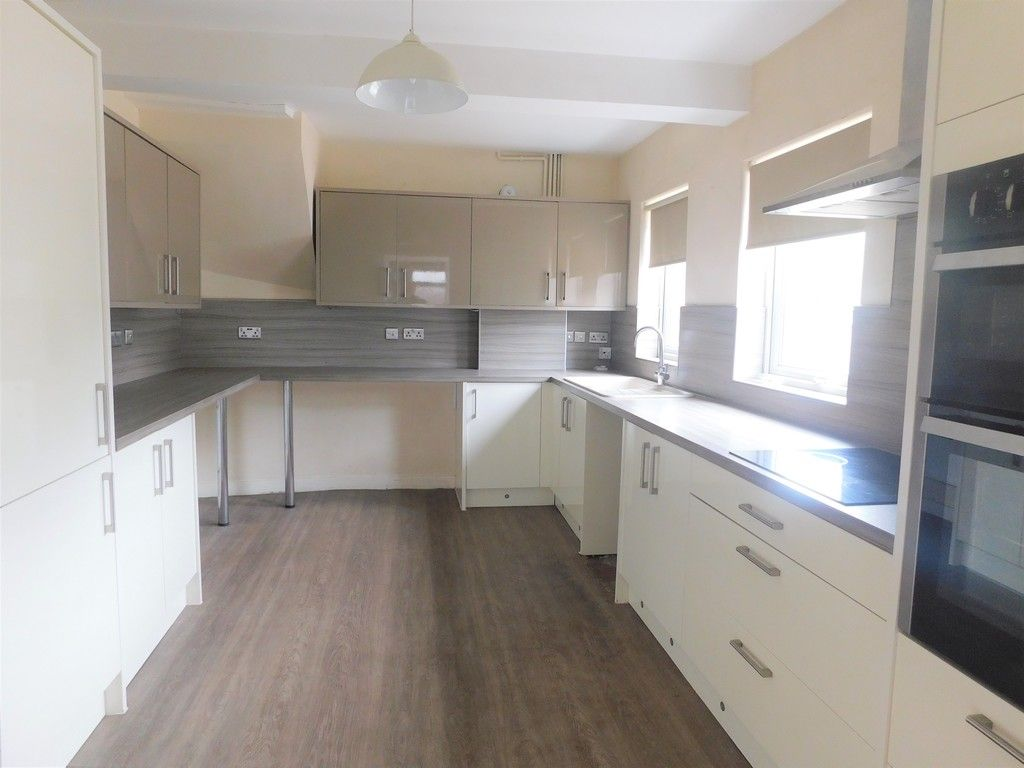 3 bed house for sale in Maes Y Pergwm, Glynneath, Neath 4