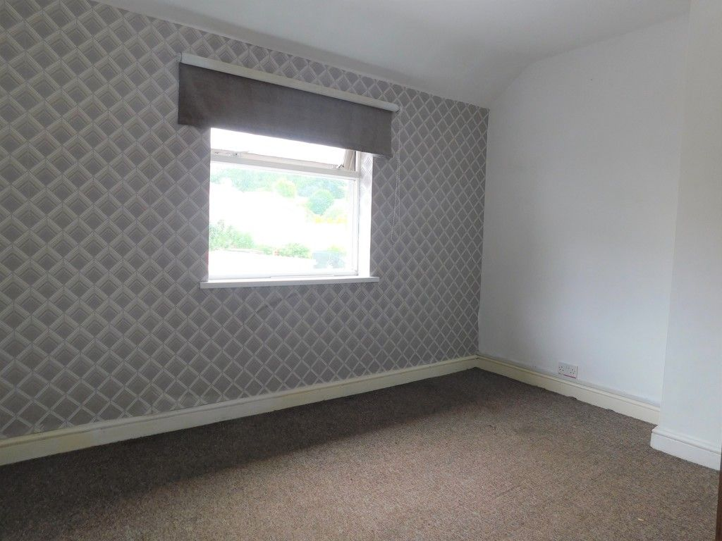 3 bed house for sale in Maes Y Pergwm, Glynneath, Neath 8