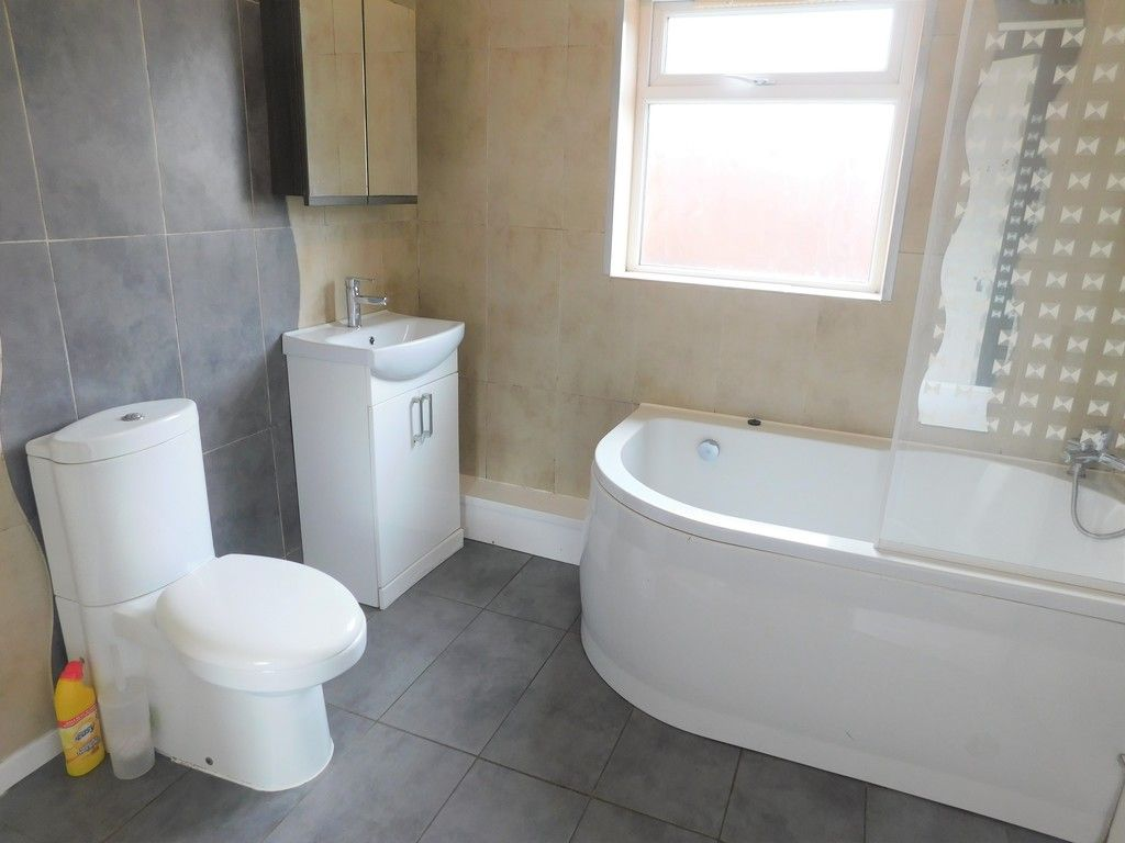 3 bed house for sale in Maes Y Pergwm, Glynneath, Neath 10