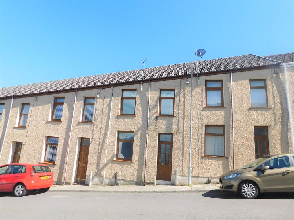 3 bed house for sale in George Street, Neath, SA11
