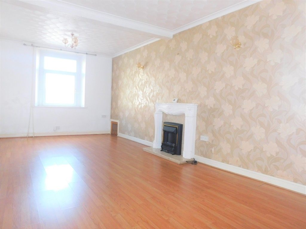 3 bed house for sale in George Street, Neath 2