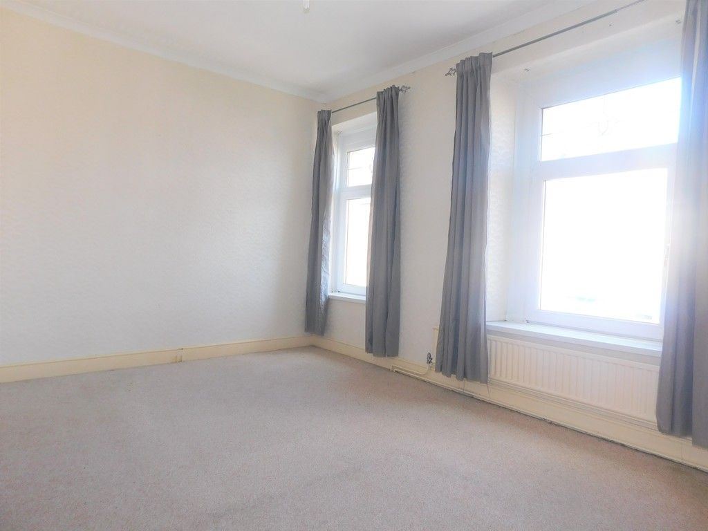 3 bed house for sale in George Street, Neath 10