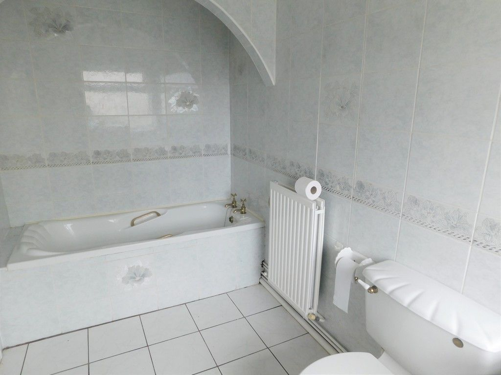 3 bed house for sale in Alexander Road, Briton Ferry, Neath  - Property Image 7