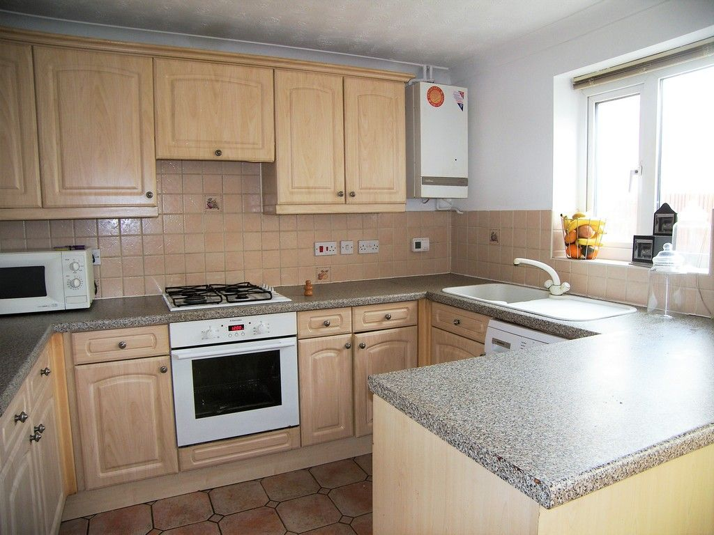 3 bed house for sale in Bryn Gorsedd, Bridgend  - Property Image 3