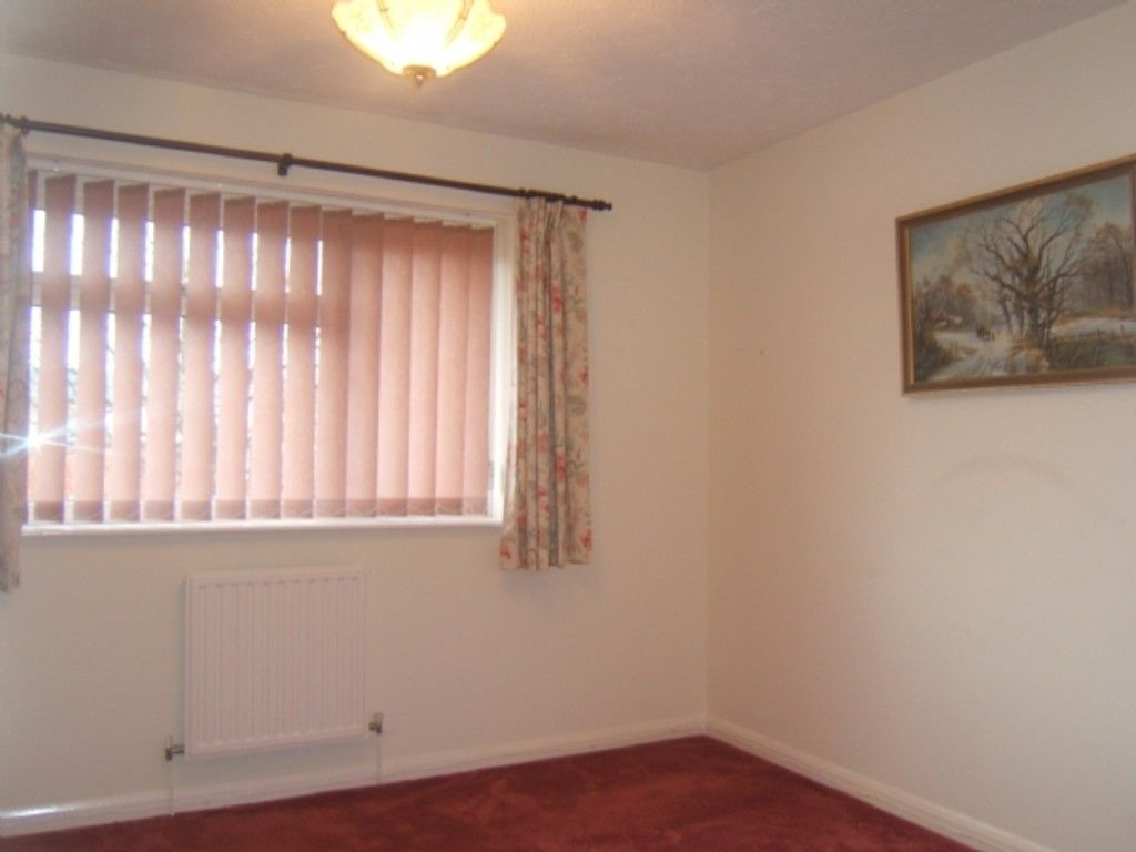 2 bed house for sale in 9 Willet Close, Neath  - Property Image 4
