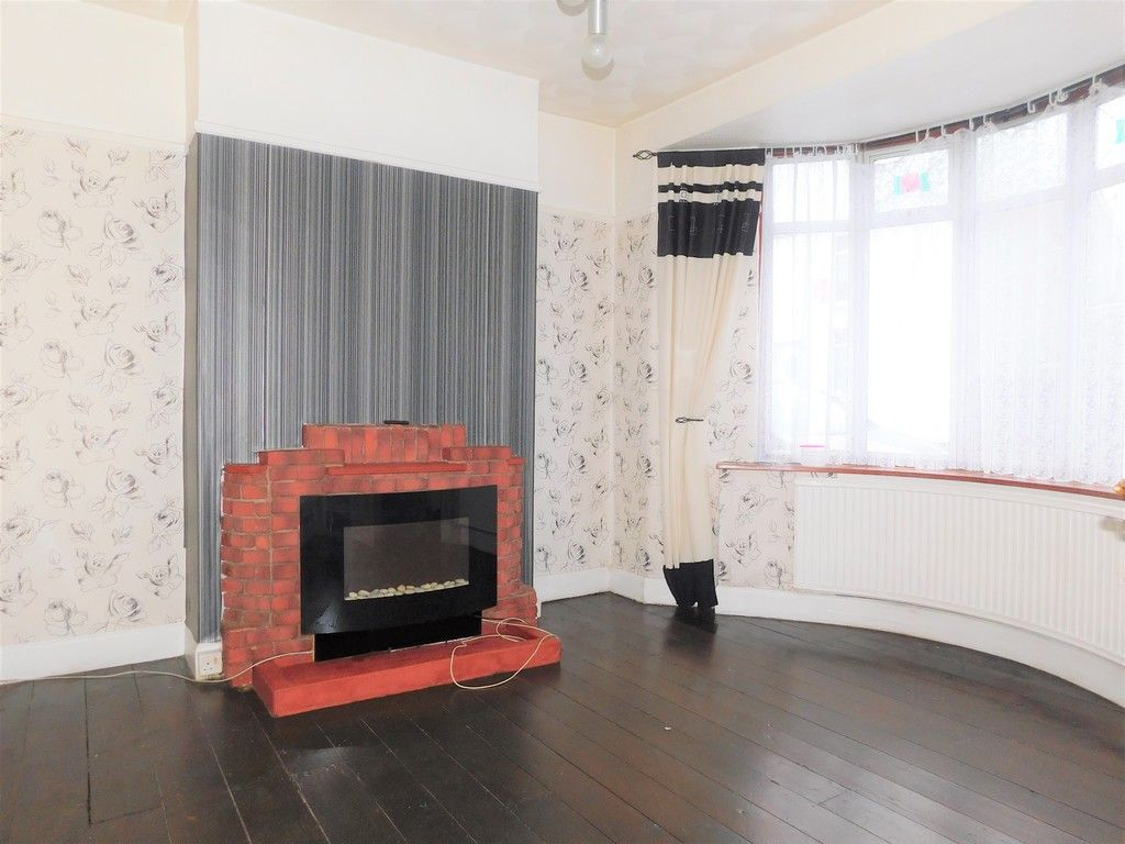 4 bed house for sale in Burrows Road, Skewen, Neath 2
