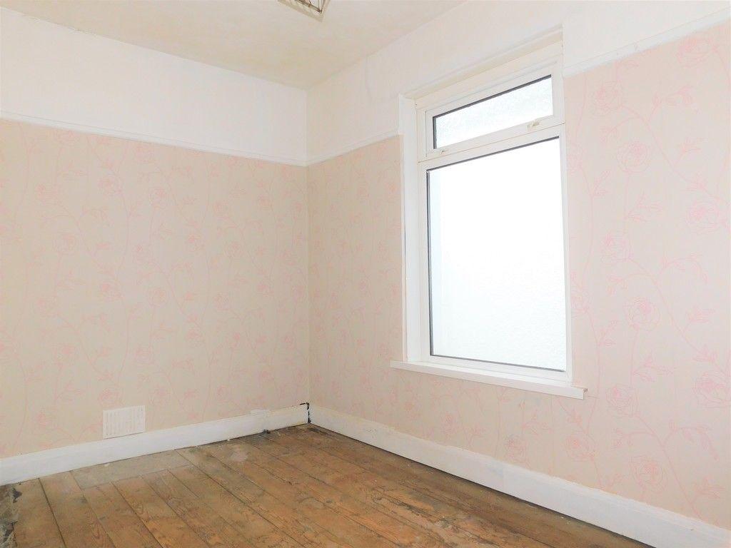 4 bed house for sale in Burrows Road, Skewen, Neath 11