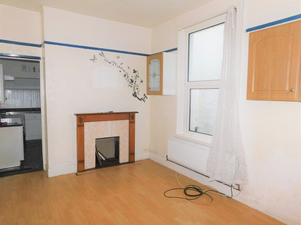 4 bed house for sale in Burrows Road, Skewen, Neath  - Property Image 3