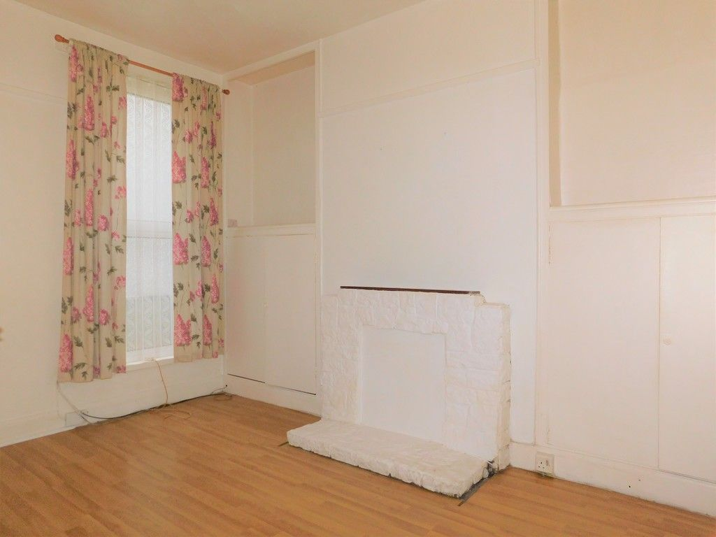 4 bed house for sale in Burrows Road, Skewen, Neath  - Property Image 4