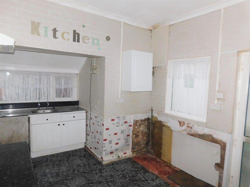 4 bed house for sale in Burrows Road, Skewen, Neath 5