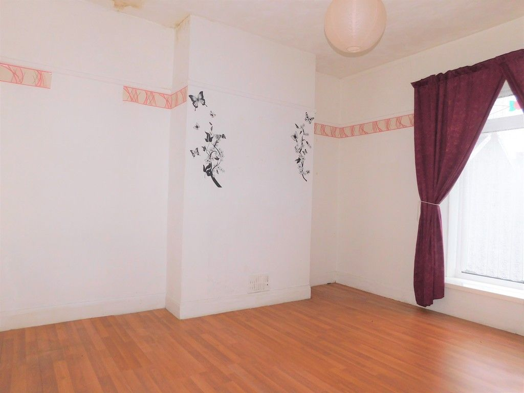 4 bed house for sale in Burrows Road, Skewen, Neath 10