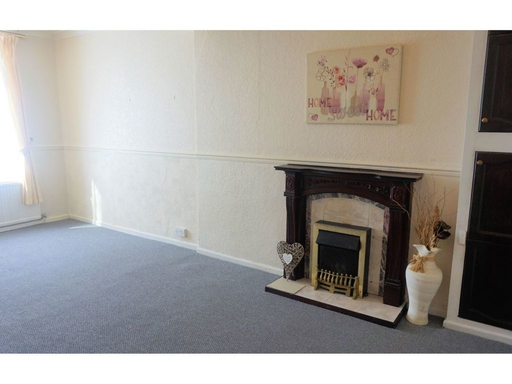 3 bed house for sale in Cross Street, Resolven, Neath 2
