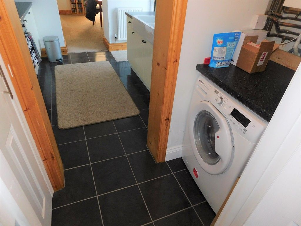 3 bed house for sale in Winifred Road, Neath 8