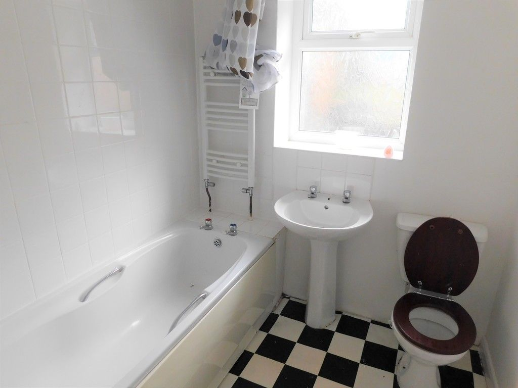 2 bed house for sale in Cwmbath Road, Morriston 8