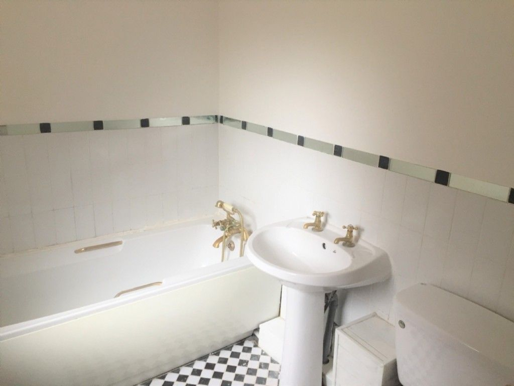 2 bed house for sale in Hill Road, Neath Abbey, Neath 8
