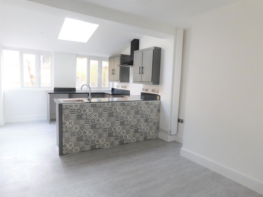 3 bed house for sale in Lansbury Avenue, Port Talbot 2