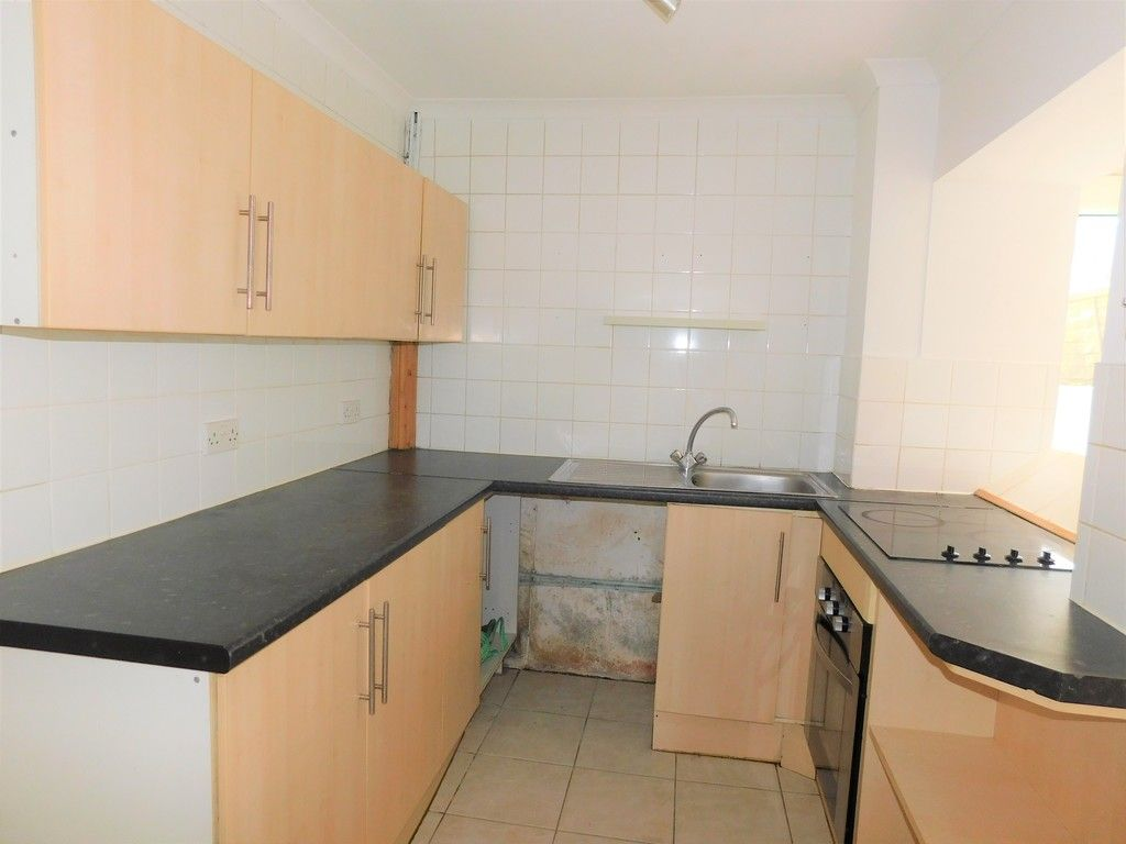 2 bed house for sale in Old Road, Neath 6