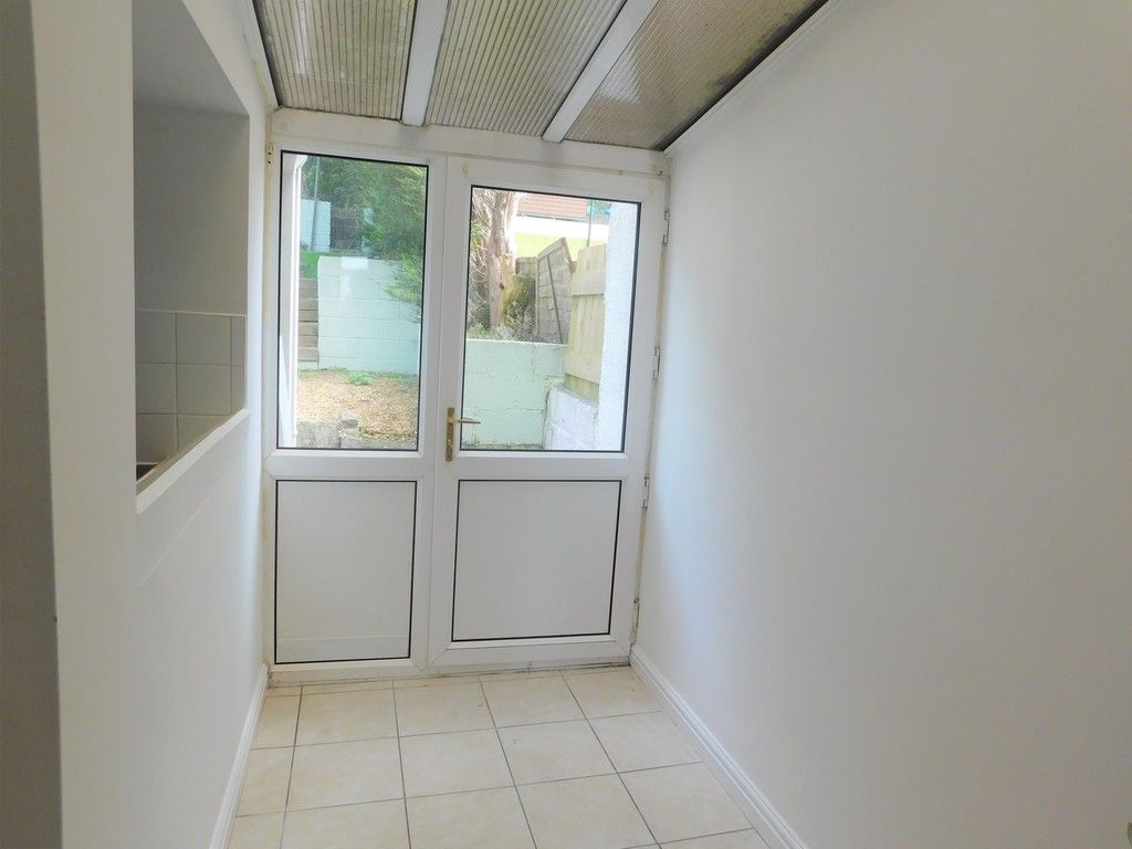 2 bed house for sale in Old Road, Neath 7