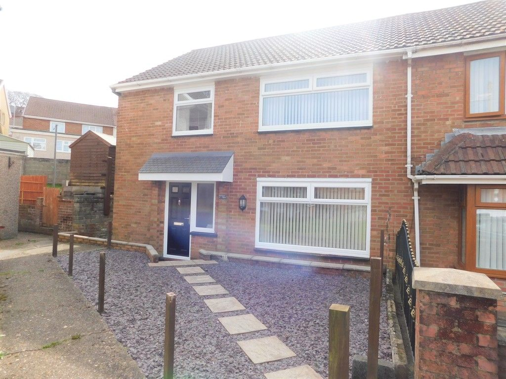 4 bed house for sale in Forest View, Neath  - Property Image 1