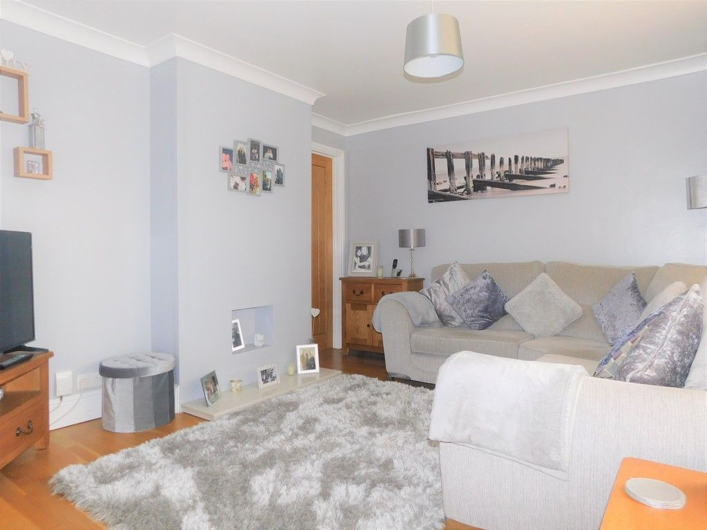 4 bed house for sale in Forest View, Neath  - Property Image 2