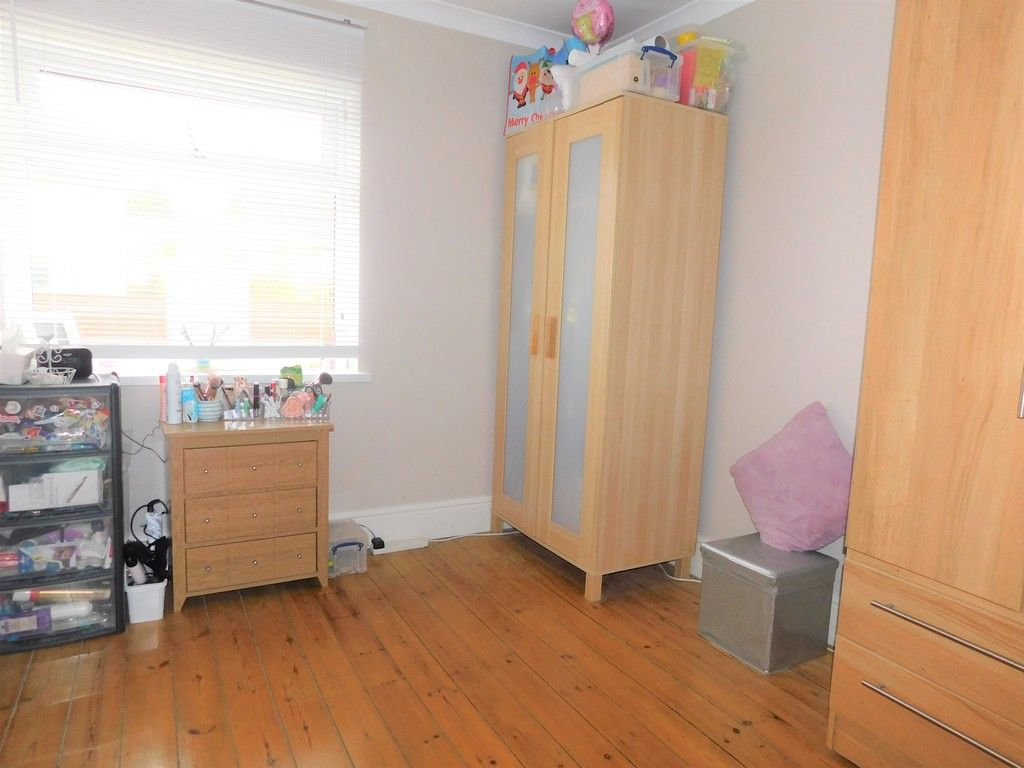 4 bed house for sale in Forest View, Neath 13