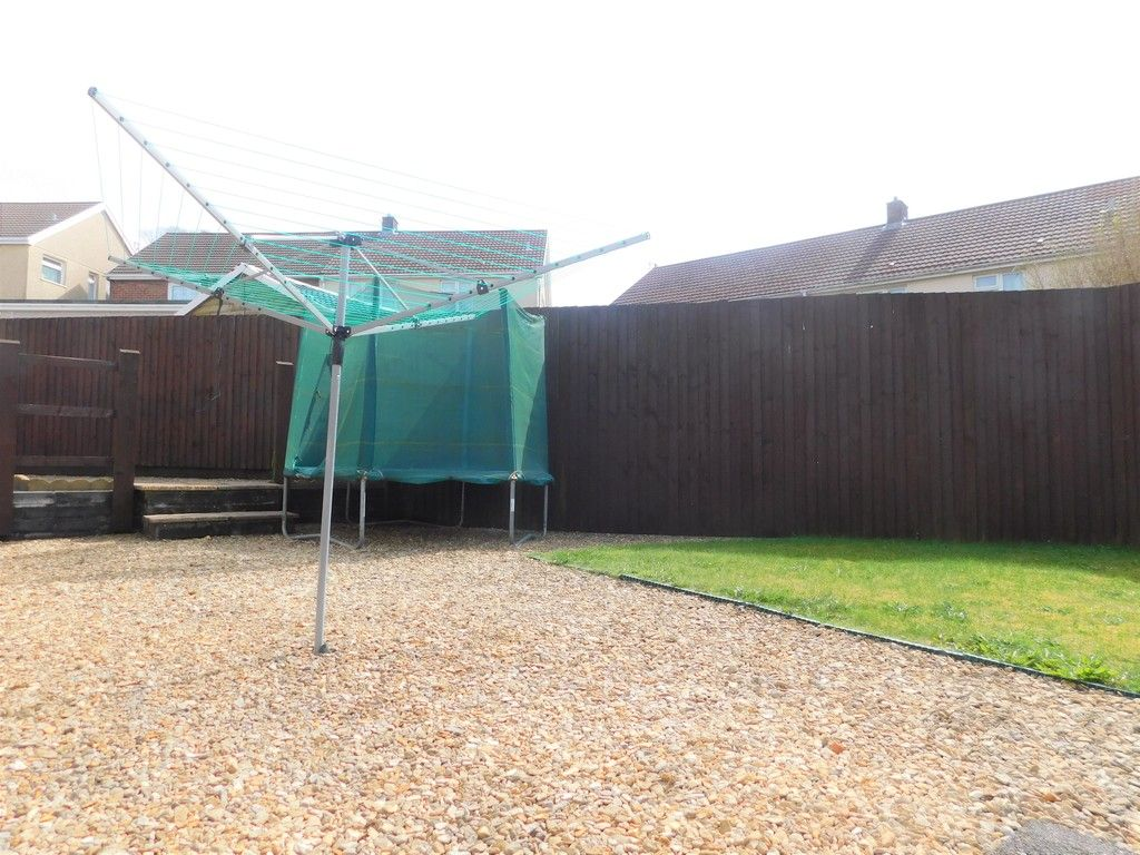 4 bed house for sale in Forest View, Neath 16