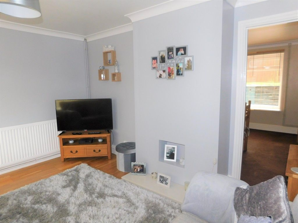 4 bed house for sale in Forest View, Neath 3