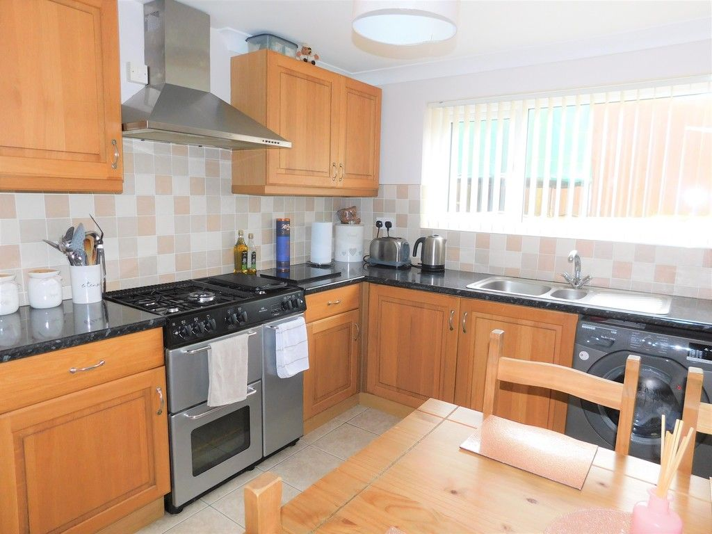4 bed house for sale in Forest View, Neath 6