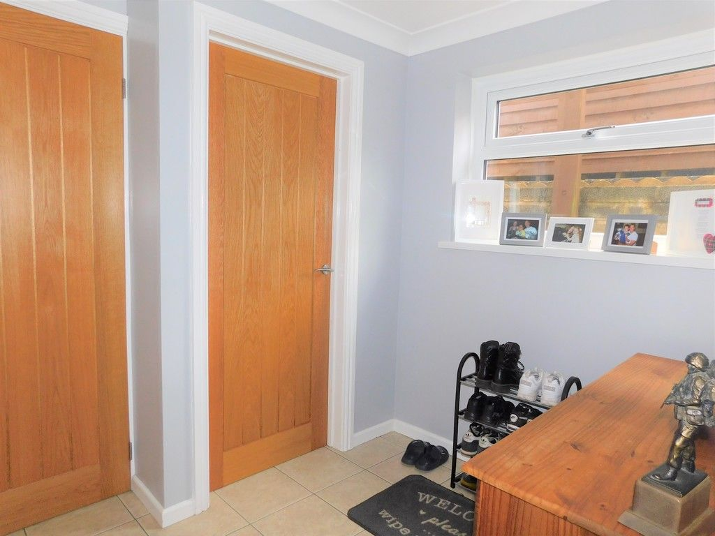 4 bed house for sale in Forest View, Neath 7