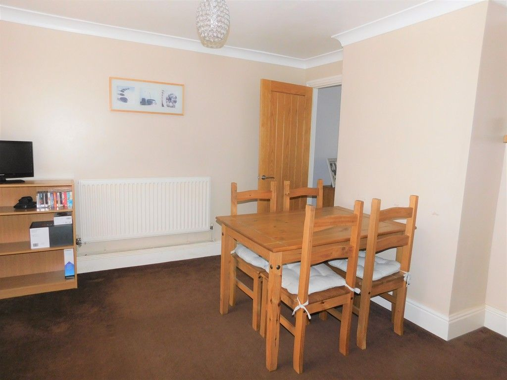 4 bed house for sale in Forest View, Neath 8