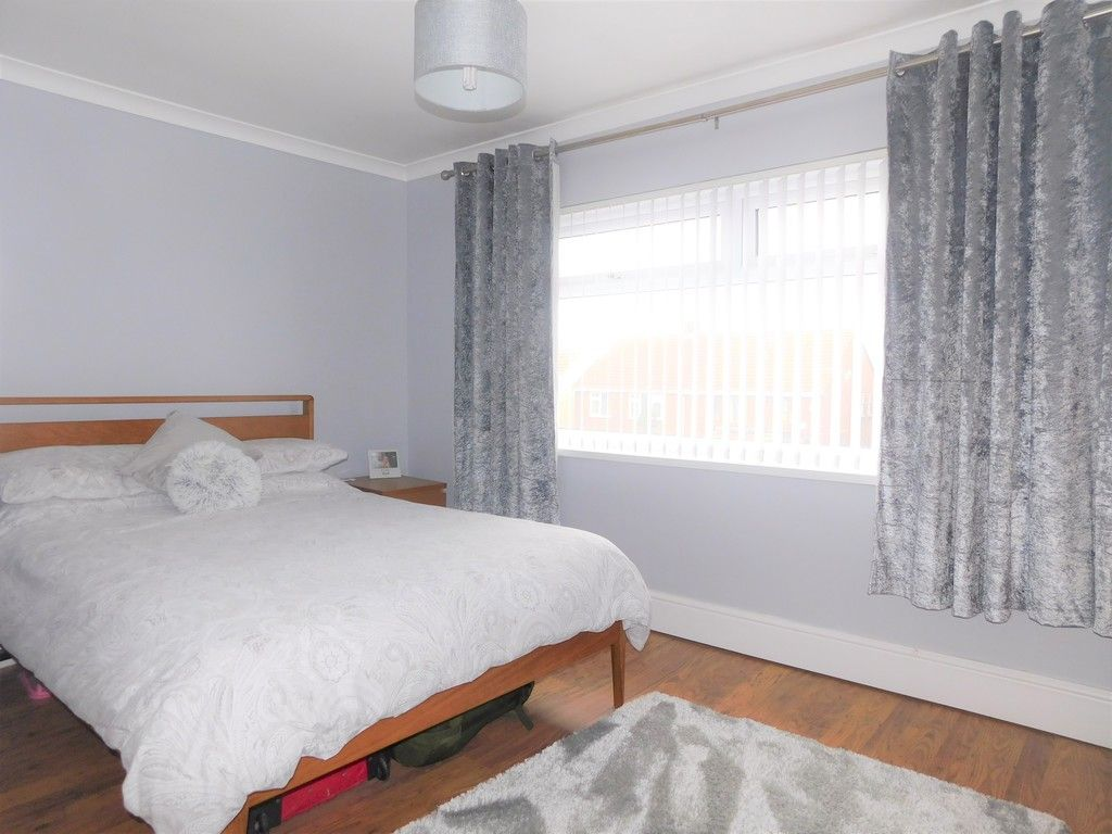 4 bed house for sale in Forest View, Neath 9