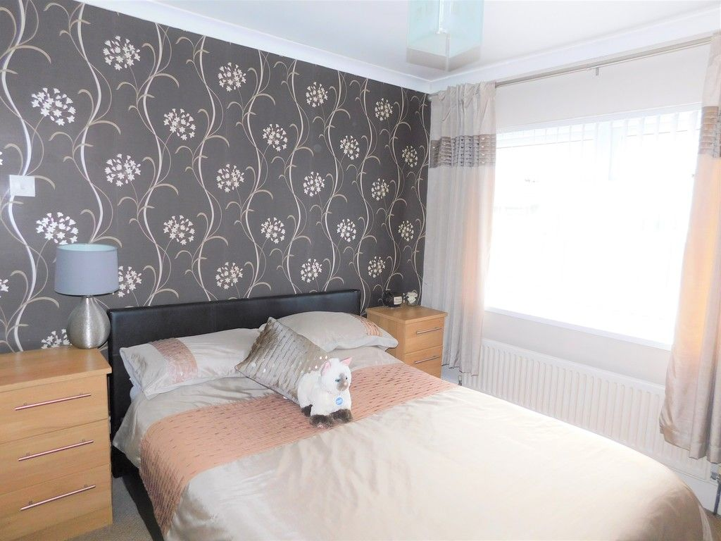 4 bed house for sale in Forest View, Neath 10