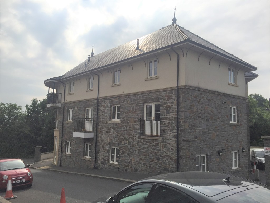 1 bed flat for sale in Crown Way, Llandarcy 2