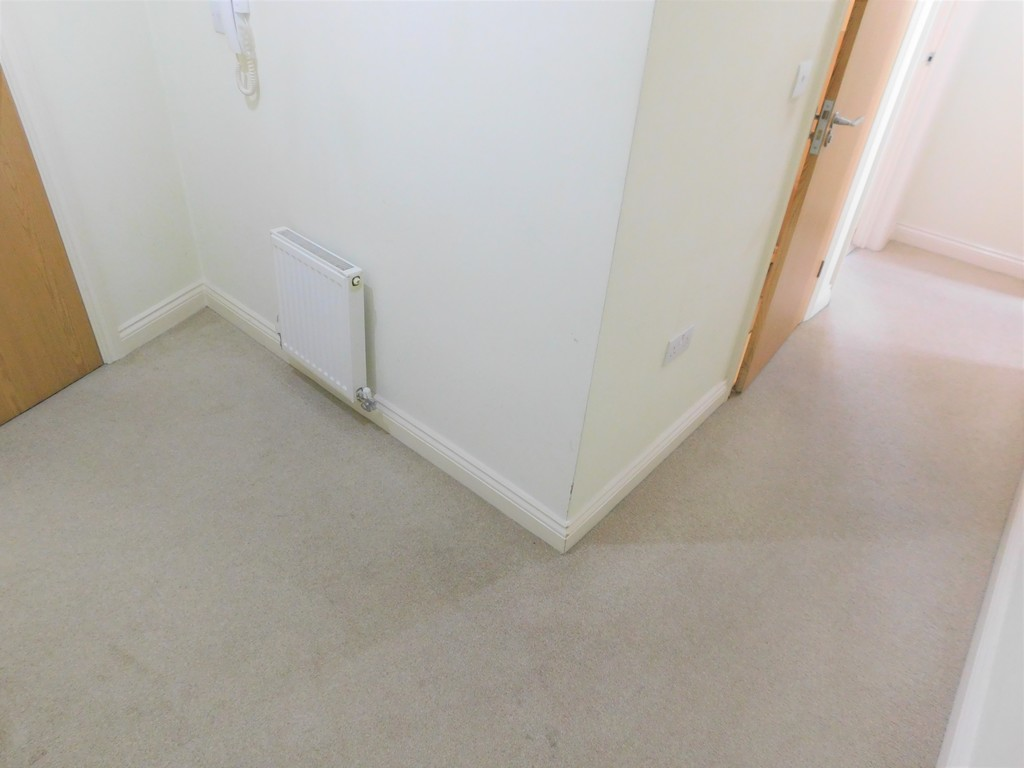 1 bed flat for sale in Crown Way, Llandarcy 9