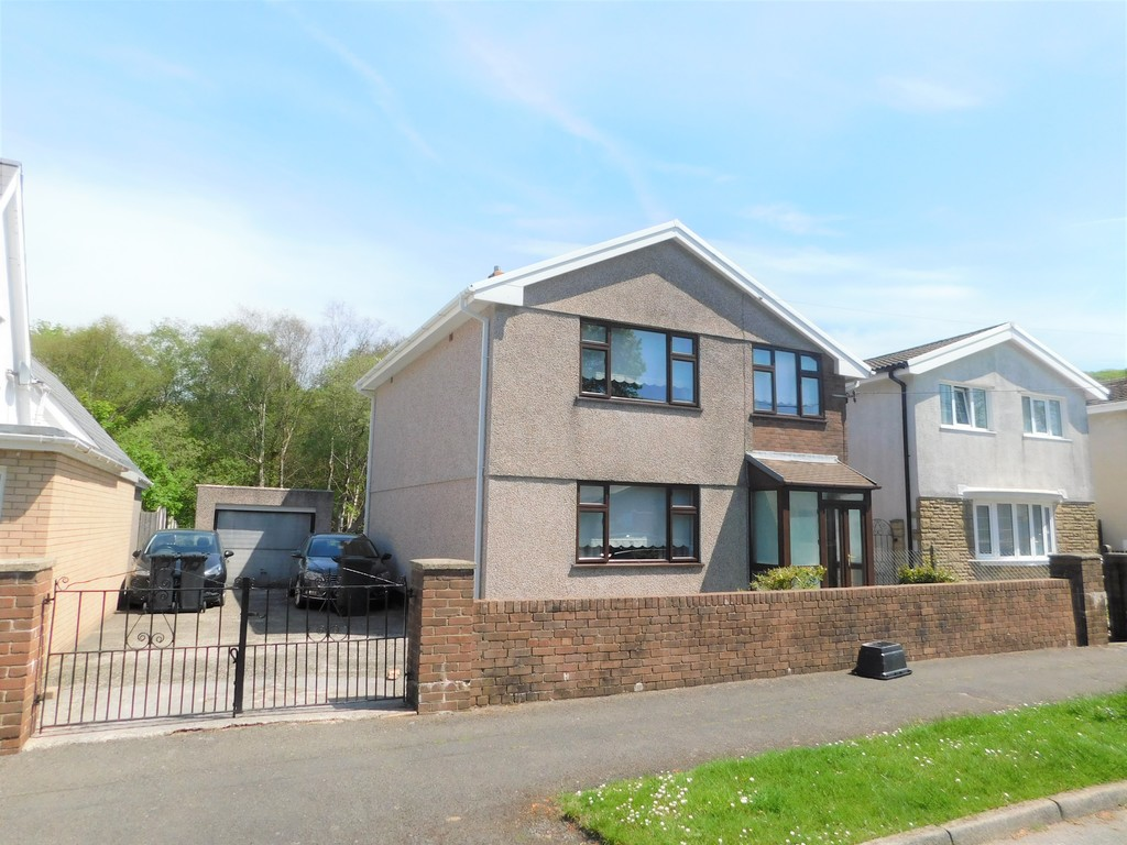 3 bed house for sale in School Road, Crynant, Neath, SA10
