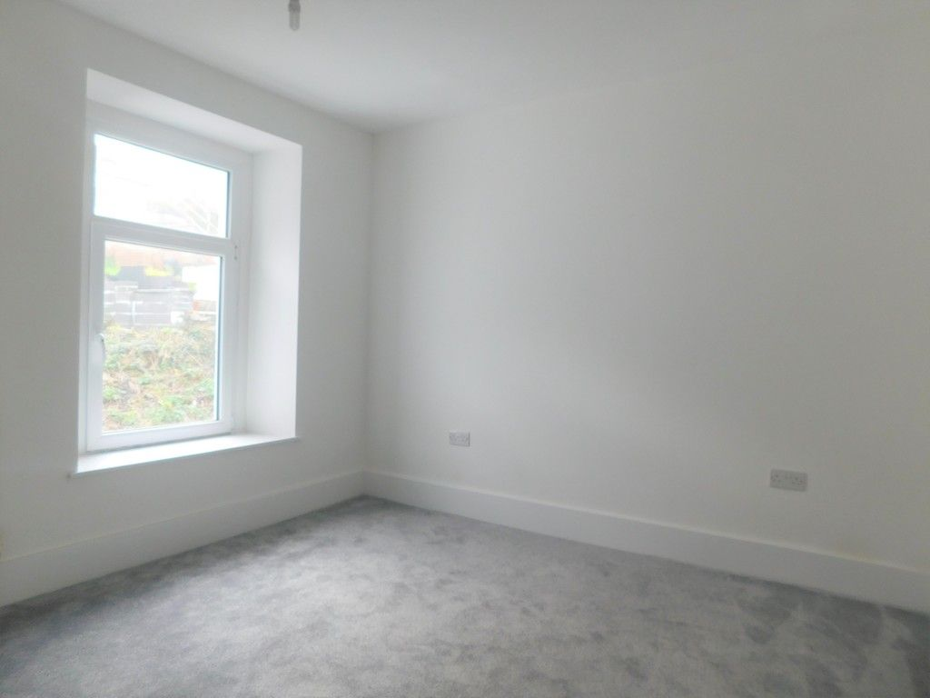 3 bed house for sale in Old Road, Neath  - Property Image 12