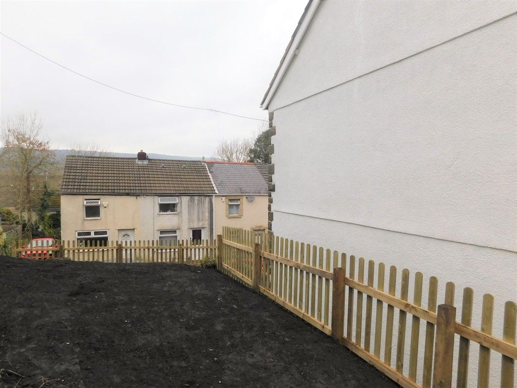 3 bed house for sale in Old Road, Neath 15