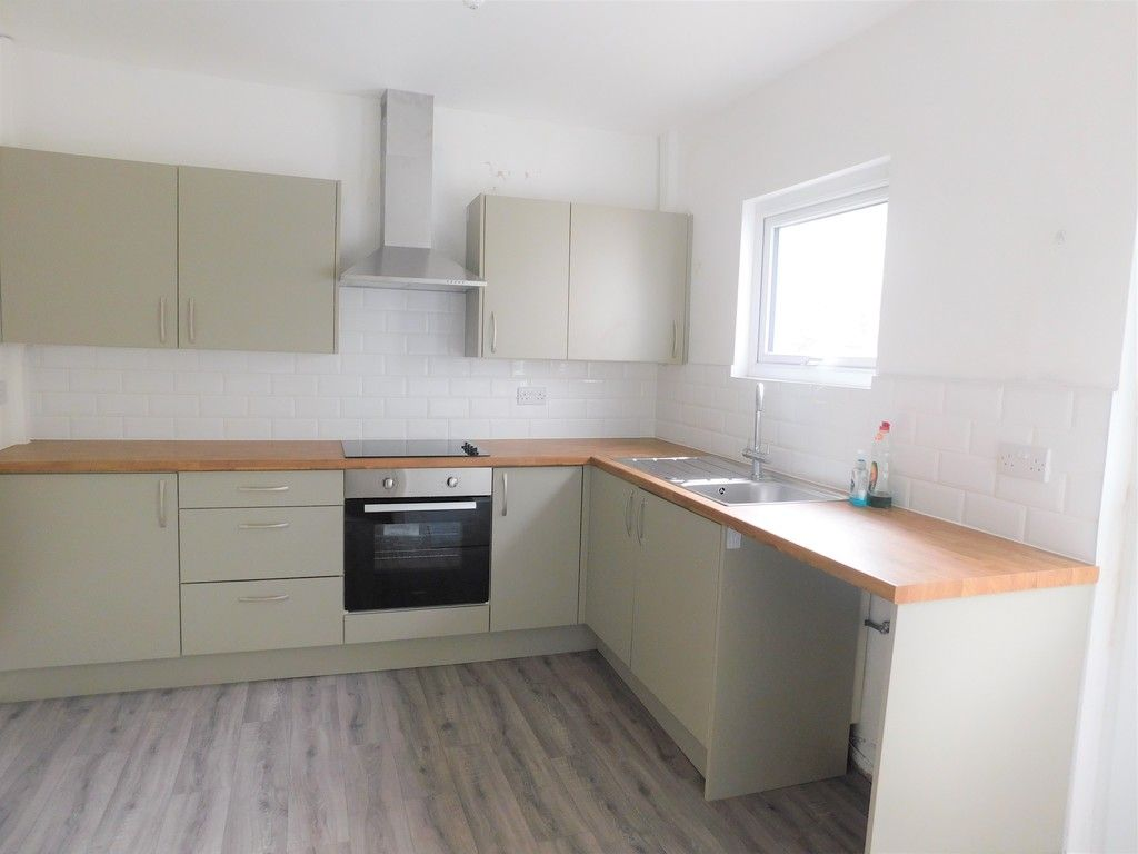 3 bed house for sale in Old Road, Neath 6