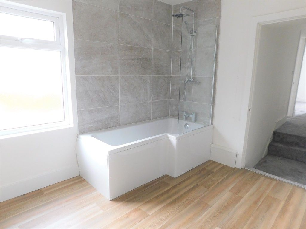 3 bed house for sale in Old Road, Neath  - Property Image 10