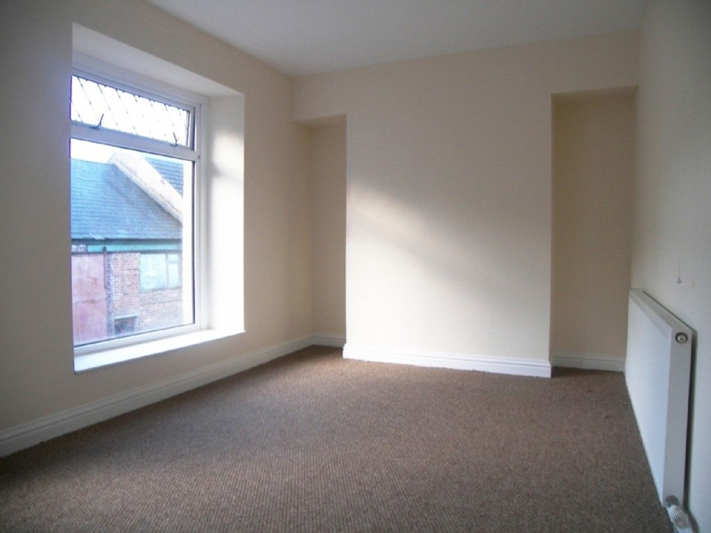 3 bed house for sale in Burrows Road, Neath  - Property Image 5